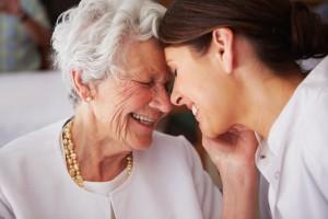 Femme âgée incontinence fécale